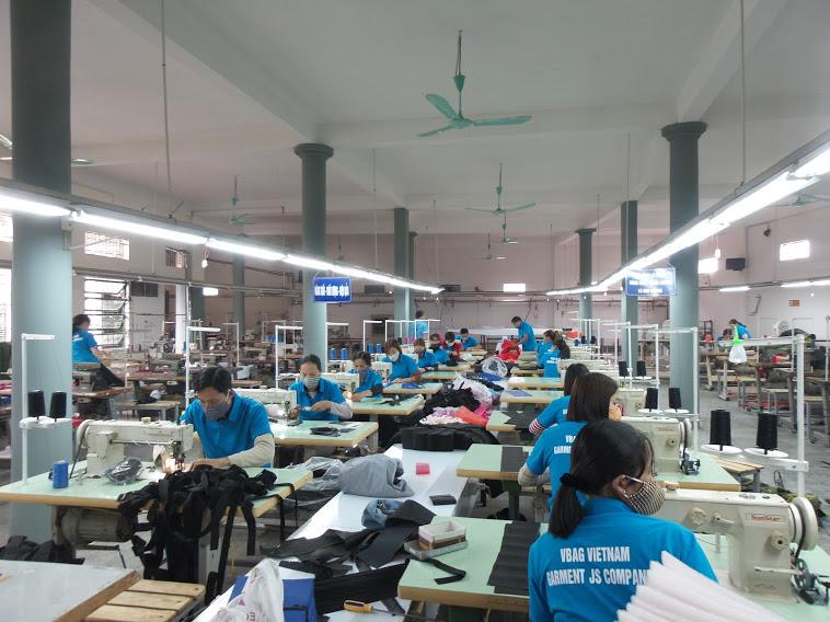 xưởng sản xuất balo Hoàng Ngân Việt Nam